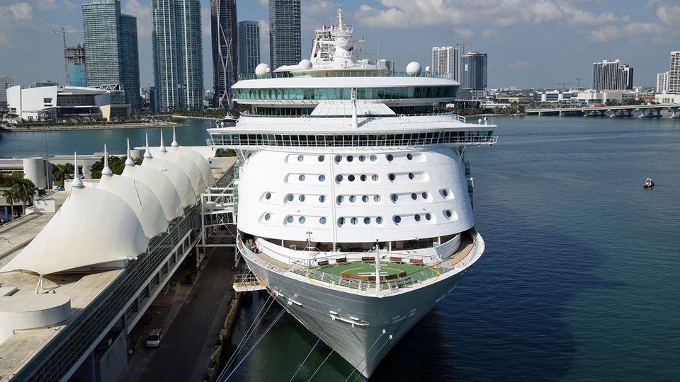 US-Kreuzfahrt-Hauptstadt Miami: Normalerweise checken hier 15.000 Passagiere an einem Tag ein und gehen auf Kreuzfahrt in der Karbik.
