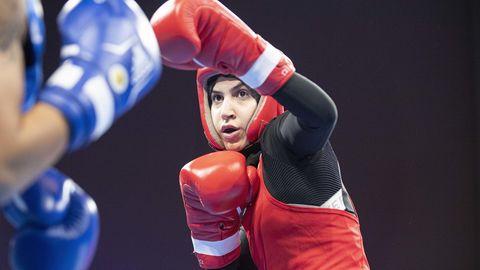 Boxen als Muslima: Die Frau, die sich erkämpft hat, mit Kopftuch zu boxen – die Geschichte der Zeina Nassar