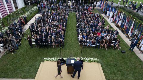 Trump im Rosengarten