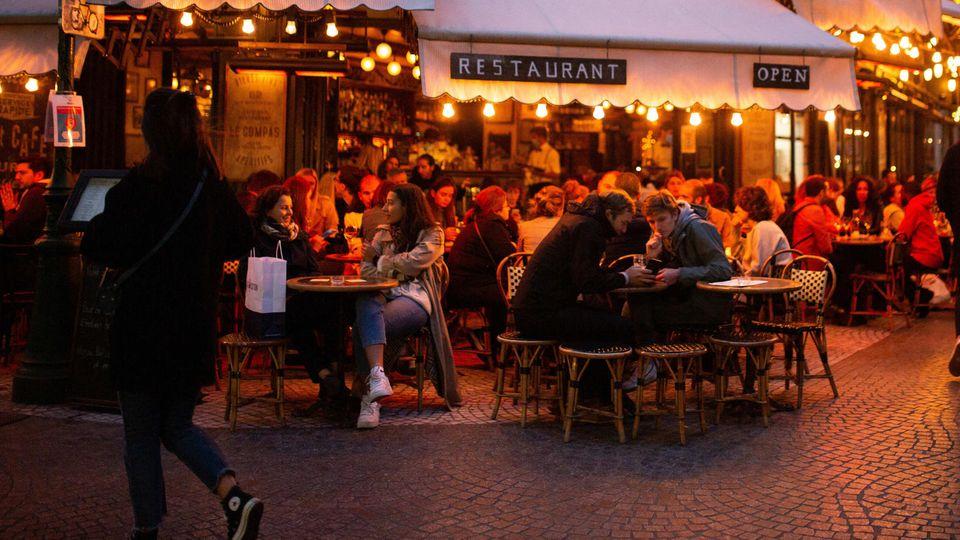 Ansteigende Corona-Infektionen: Frankreichs Kampf gegen Corona - eine Reportage aus Paris mitten in der zweiten Welle