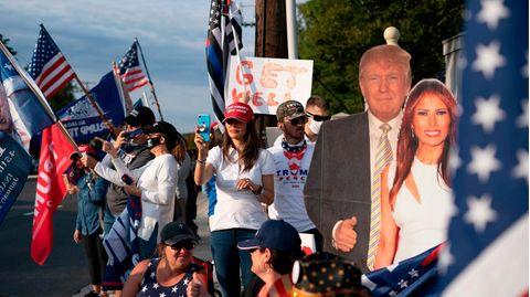 Unterstützer von Donald Trump vor dem Walter-Reed-Krankenhaus