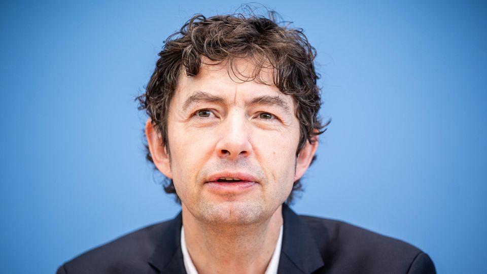 Prof. Dr. Christian Drosten, Direktor Institut für Virologie, Charité Berlin