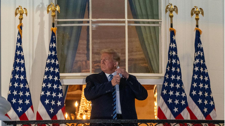 Trump auf dem Balkon des Weißen Hauses