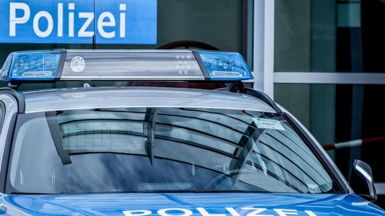 Rechtsextremismus bei der Polizei : Auf dem rechten Auge blind? Wie eine Polizei-Broschüre ein verstörendes Menschenbild offenbart