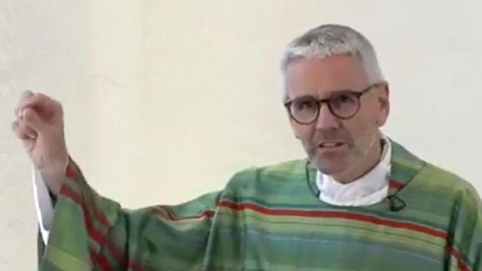 Katholische Kirche: Mehr als 230 Theologen protestieren gegen Segnungsverbot für homosexuelle Paare