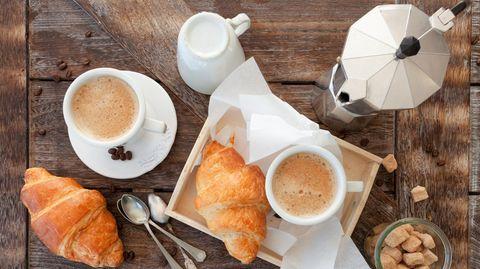 Laut aktuellen Daten desStatista Consumer Market Outlookstrinken die Deutschen im Schnitt 475 Tassen Kaffee im Jahr