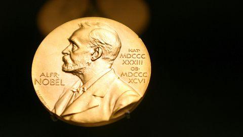 Eine Medaille mit dem Konterfei von Alfred Nobel
