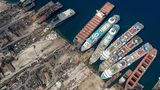 Eingeklemmt zwischen zwei Frachtschiffen: In den vergangenen Wochen wurden hier fünf ausrangierte Luxusliner auf Grund gesetzt.