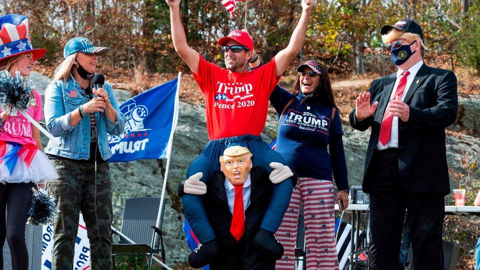 Donald Trump Fans feiern