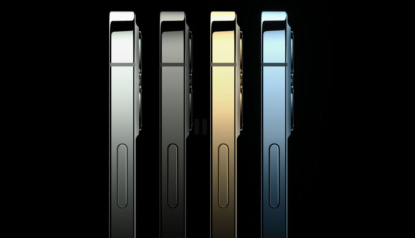 The iPhone 12 Pro and iPhone 12 Pro Max are available in the classic colors graphite, silver and gold. The new Pacific blue replaces last year's noble shade of green. Chic: the colored stainless steel frame shines in the respective color