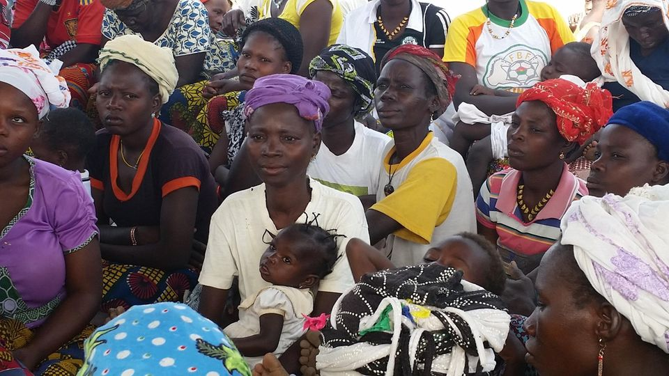 Aufklärung in den Dörfern ist wichtig, damit Frauen aus der Bevormundung hervortreten.