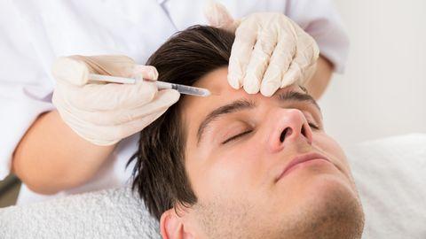 Schönheitschirurgie: Weg mit den Schlupflidern – warum sich immer häufiger auch Männer unters Messer legen
