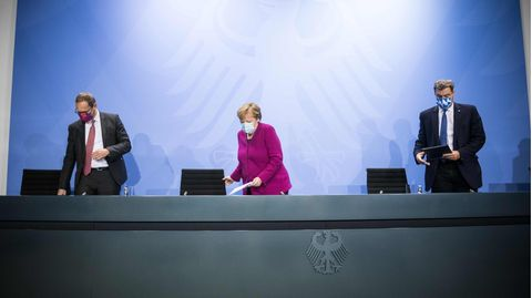 Berlins regierender Bürgermeister Michael Müller, Bundeskanzlerin Angela Merkel und Bayerns Ministerpräsident Markus Söder