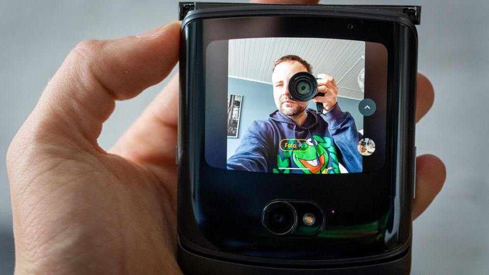 Das Mini-Display wird zum Kamera-Sucher