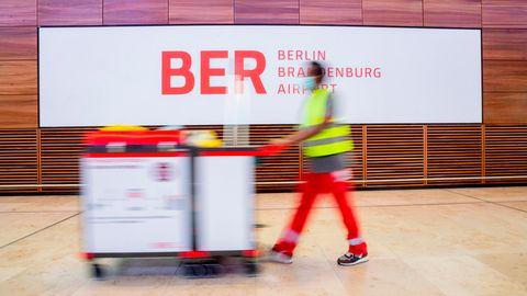 Im neuen Hauptstadtflughafen Berlin Brandenburg Willy Brandt»(BER)