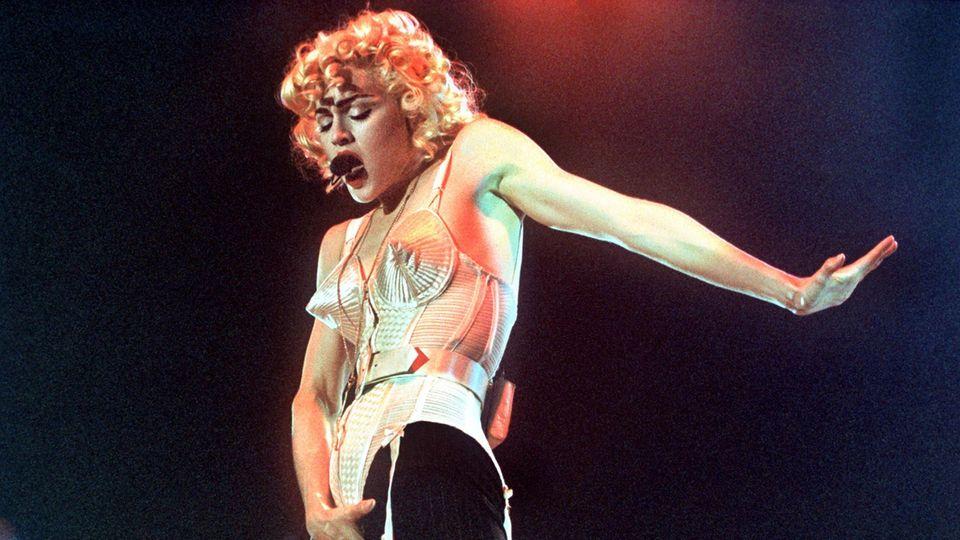 Madonna im Korsett von Gaultier