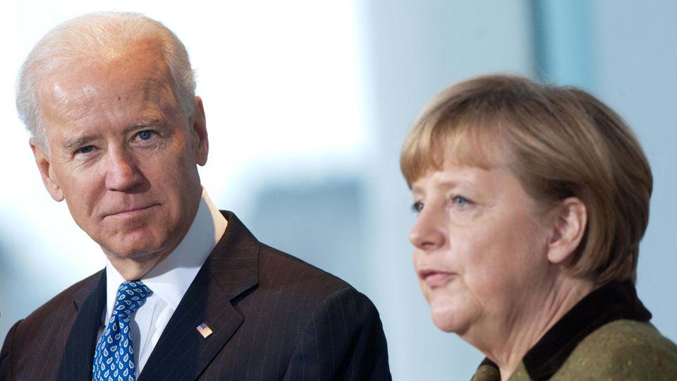 Bundeskanzlerin Angela Merkel (CDU) empfängt im Kanzleramt 2013 den damaligen US-Vizepräsidenten Joe Biden