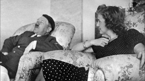 Eva Braun zusammen mit Adolf Hitler.