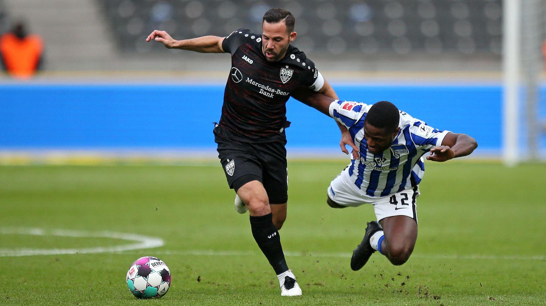 Bundesliga im stern-Check: Gonzalo Castro im Zweikampf mit Deyovaisio Zeefuik