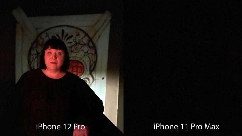 War das iPhone 11 Pro Max defekt? Hatten wir versehentlich den Finger auf der Linse? Weder noch: Wir befinden uns in einem fast stockdunklen Raum - und wollten mit dem Porträtmodus fotografieren. Das Vorjahresmodell quittierte direkt den Dienst und riet uns, den Blitz einzuschalten. Das neue fokussierte dank Lidar-Sensor das Model. Nach drei Sekunden entstand ein leicht unscharfes, aber vorzeigbares Bild. Ein riesiger Unterschied zwischen den Generationen.