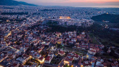 """Buch """"Der Anfang nach dem Ende"""": Die Krisenerfahrenen: Deshalb meistern die Griechen auch die zweite Coronawelle so gut"""