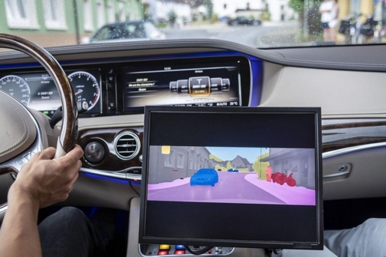 Mercedes und Bosch arbeiten beim autonomen Fahren zusammen