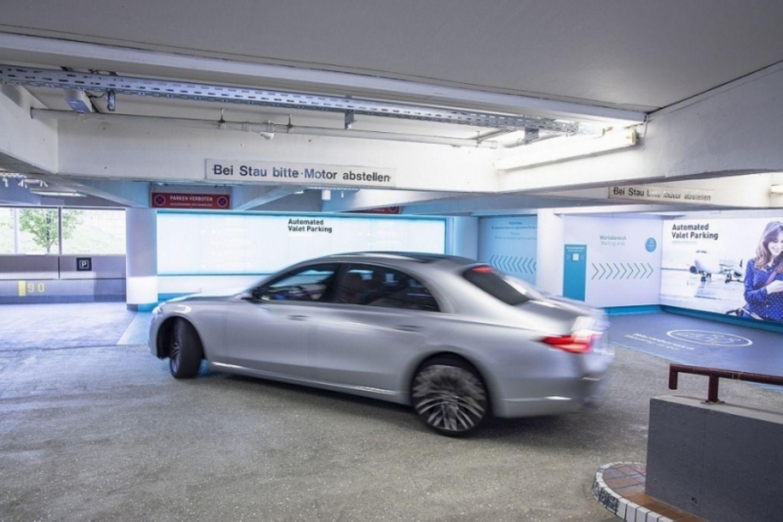 Die Mercedes S-Klasse beherrscht autonomes Fahren Level 3