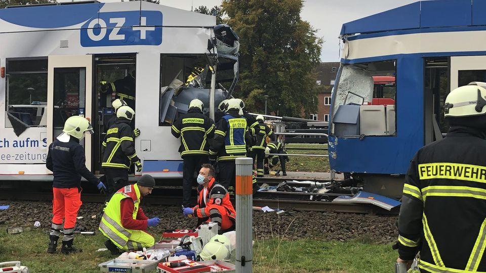 Nachrichten aus Deutschland: Einsatzkräfte an der Unglücksstelle