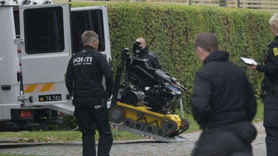 Ein Roboter zur Bombenentschärfung, genannt Rullemarie, am Einsatzort