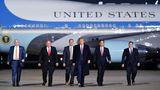 Platz 1: Donald Trump  Die US-Präsidenten sind bekanntlich mit einer Air Force One unterwegs. Seit den 1990er Jahren kommen dafür zweiumgerüstete Jumbojets zum Einsatz. Die Maschinen vom Typ Boeing 747-200 bereiten Kosten von 9.250.000 US-Dollar und werden von derPresidential Airlift Group betrieben.