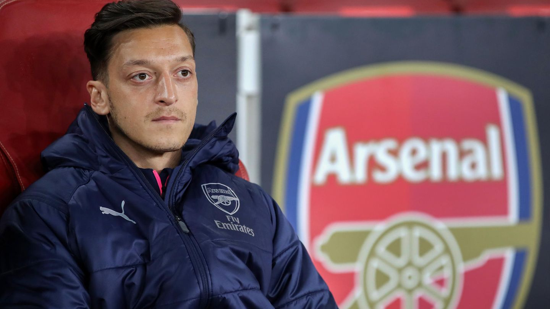 Sport kompakt: Mesut Özil reagiert auf Kader-Ausbootung bei Arsenal