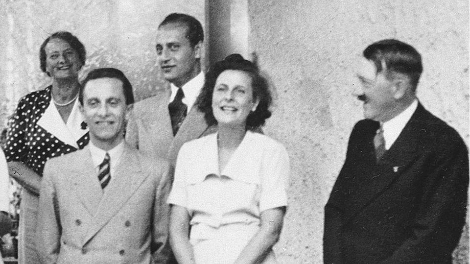 Nazi-Regisseurin: Hängt ihre Bilder endlich ab! Warum Leni Riefenstahl keine Künstlerin war, sondern ein glühender Nazi