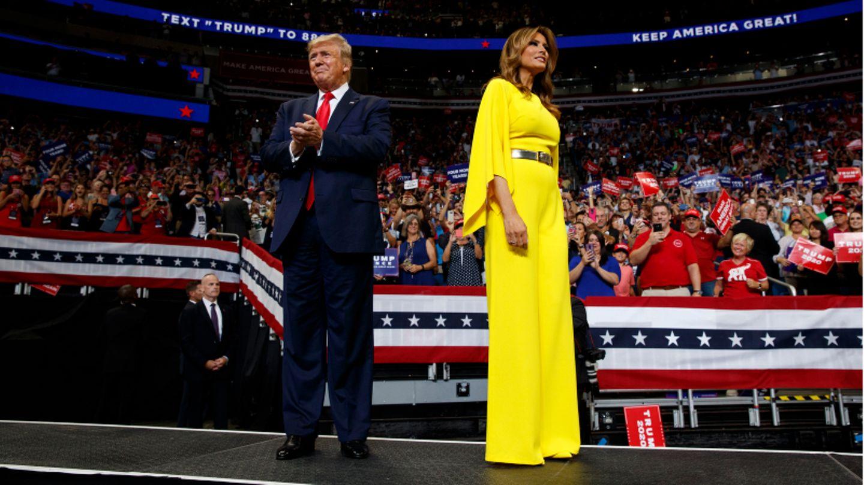 Die First Lady an der Seite ihres Mannes US-Präsident Donald Trump beieiner Wahlkampfveranstaltung.