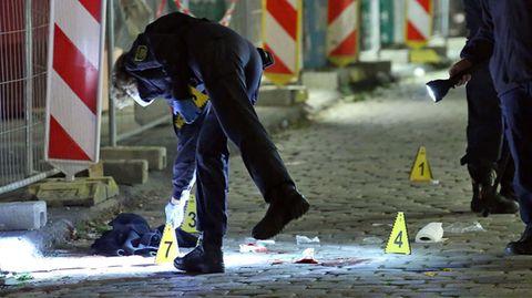 Polizei nach der tödlichen Messerattacke in der Innenstadt von Dresden