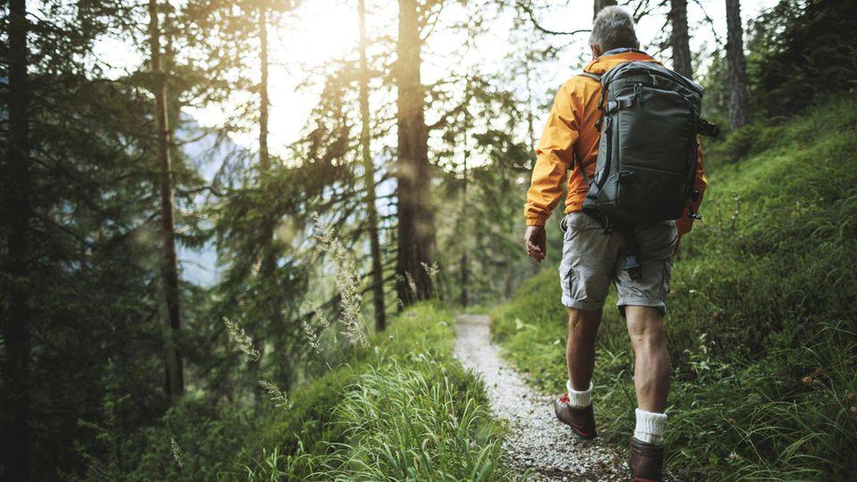 Die Diagnose: Beim Wandern wird er ohnmächtig – er hätte besser in den Pausen kein Brot gegessen