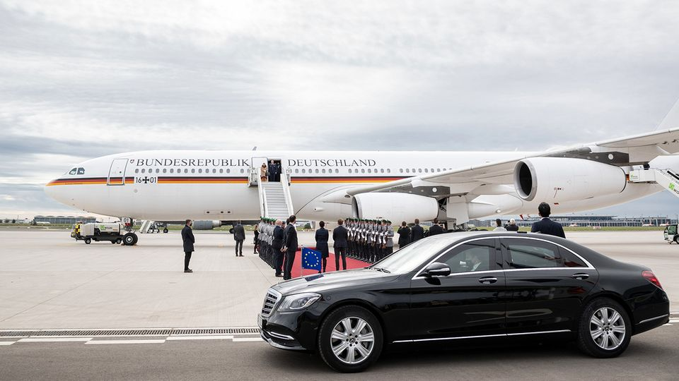 Der rote Teppich wird für Staatsgäste ausgerollt: bei der Generalprobe der Flugbereitschaft am BER