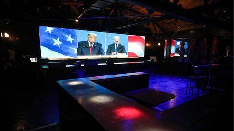 Die Übertragung des TV-Duells in einer Bar in Hollywood