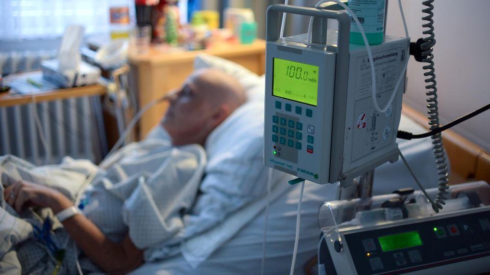 """Diskussion von Sterbehilfe im Ethikrat: Psychiaterin warnt: Suizide dürfen nicht """"Normalität"""" werden"""