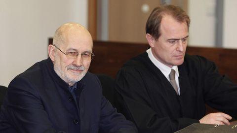 Der deutsche Rechtsextremist Horst Mahler (l.) im März 2009 (Archivfoto)