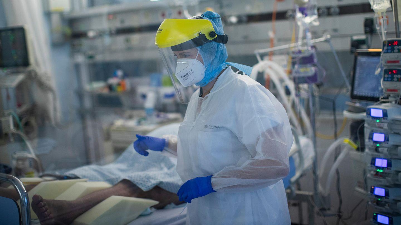 Medizinisches Personal auf der Intensivstation für Corona-Patienten im CHR-Krankenhaus Citadelle inLüttich