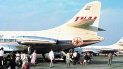 Mit dem Einsatz der in Frankreich gebauten Caravelle werden ab 1967 die Streckennach Bali in Indonesien und der Tourismus dorthin erschlossen. Thai Airways setzt als erstes nach Denpassar Jets ein, während die dortige Garuda nach Bali noch mit Propellerflugzeugen unterwegs ist.