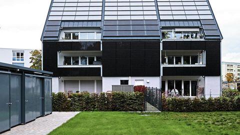 Auch das zu Hause vom Lehrerpaar Perlhofer: zwei weitgehend autarke Mehrfamilienhäuser