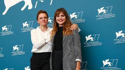 Julia von Heinz (l), Regisseurin aus Deutschland und Mala Emde, Schauspielerin aus Deutschland