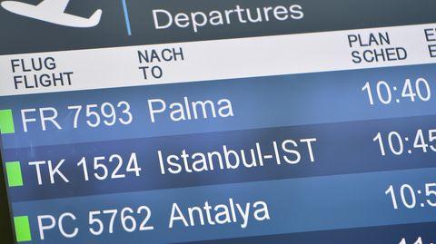 Anzeigetafel amDüsseldorfer Flughafen