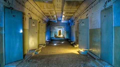 Seewerk Falkenhagen  In dieser unterirdischen Bunkeranlage mit dem Tarnnamen Seewerk wurden im Dritten Reich chemische Kampfstoffe produziert. Die Rote Armee nahm zum Ende des Zweiten Weltkrieges das Gelände ein und baute das Tunnelsystem in den 1970 zu einem ihrer wichtigsten Kommandostände in Ostdeutschland aus. Heute werden hier Führungen durch die Unterwelt angeboten.
