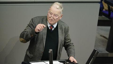 Der AfD-Fraktionsvorsitzende der AfD im Bundestag, Alexander Gauland, während seiner Rede im Bundestag