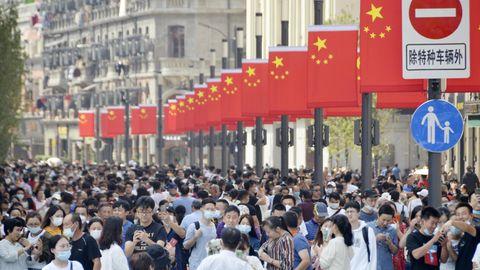 Infektionszahlen in Europa und Asien: Europa geht in den Lockdown – auf Chinas Straßen scheint Corona kaum mehr ein Thema