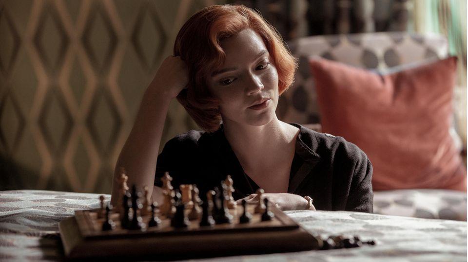 """Netflix: Serien-Überraschung """"Das Damengambit"""": Ein Schachgenie am Rand zum Wahnsinn"""
