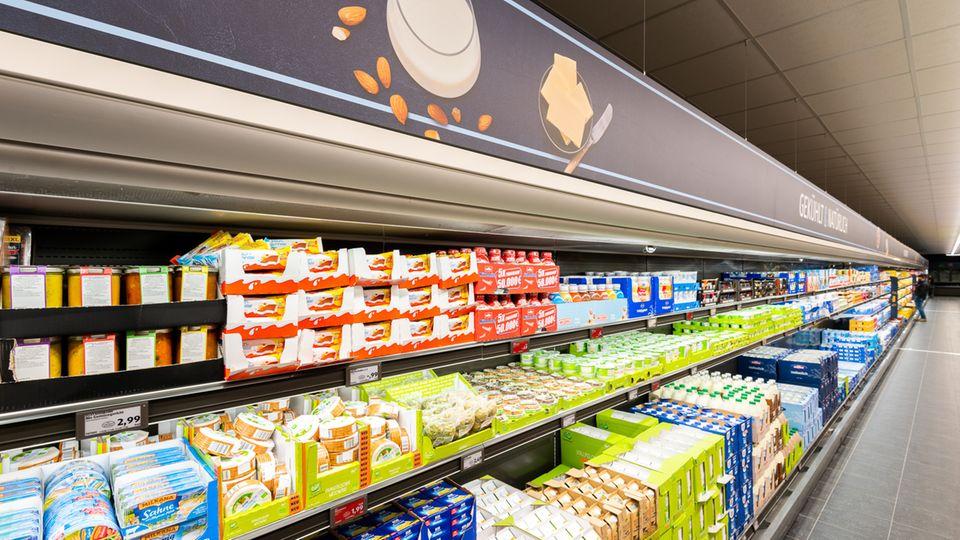 Mega-Supermarkt: Der neue Aldi Süd in Mühlheim hat alleine 70 Meter Kühlregal-Länge