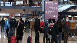 Zwei Drittel der Passagiere erreichen den neuen Hauptstadtflughafen mit Zug und S-Bahn über den Bahnhofim Untergeschoss. Dann geht es mit demLeitsystem zumCheck-in.